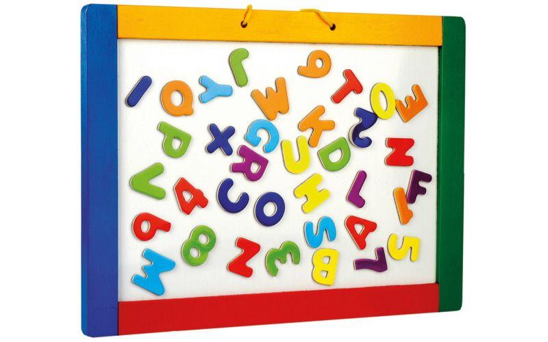 Magnetická tabule s písmeny